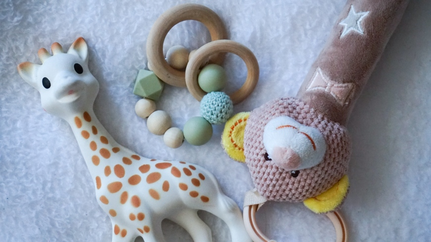 Helping your baby get through teething | Elyse Morency | Mommy and Lifestyle Blog